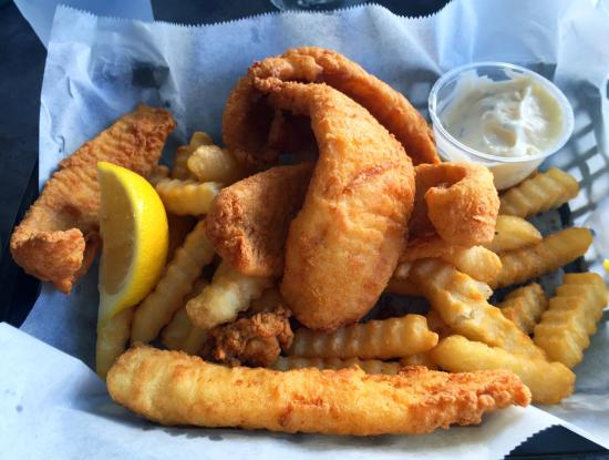 Atlantic Beach, FL: Stone crab claws and fresh flounder fish and chips! You get far more than you bargained for!