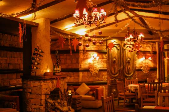 The Lodge Restaurant: inside View