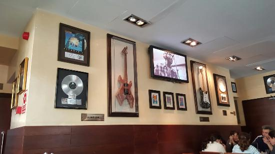 hard rock cafe foto van hard rock cafe marbella puerto banus tripadvisor. Black Bedroom Furniture Sets. Home Design Ideas