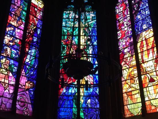 Vitraux Metz les vitraux de jacques villon dans la chapelle du saint sacrement