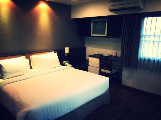 The Grand Napat: Отличный апарт отель! Есть минусы, но они незначительны, даже неудобств недоставили. Спорт. зал,