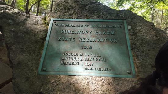 Sutton, Μασαχουσέτη: Purgatory Chasm Plaque
