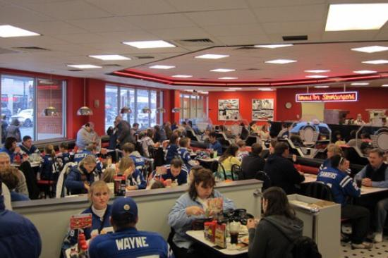 Image steak 39 n shake hermitage tripadvisor for Steak n shake dining room hours