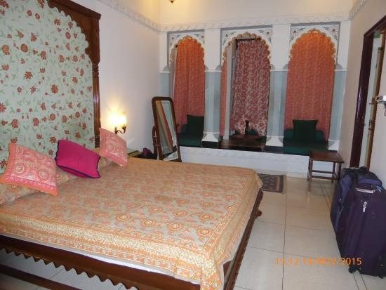 Hotel Mahendra Prakash : Habitación