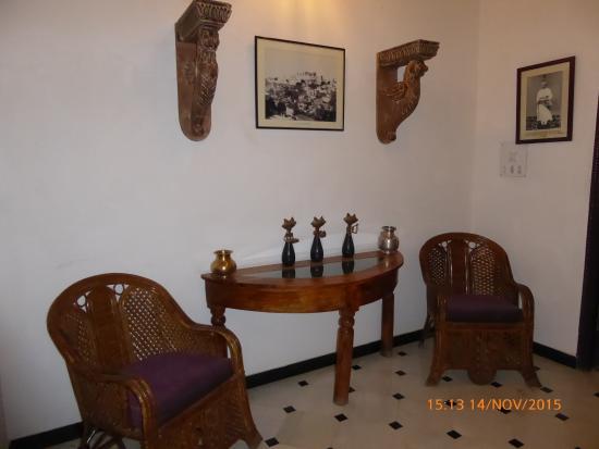 Hotel Mahendra Prakash : Pasillo
