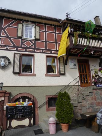 Zum Kreiswald: Eingang zur Gaststube