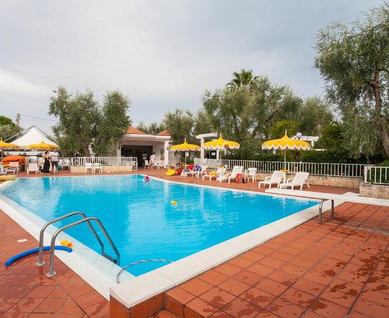 Villaggio turistico calamolinella hotel vieste provincia di foggia prezzi 2019 e recensioni - Piscina assori foggia prezzi ...