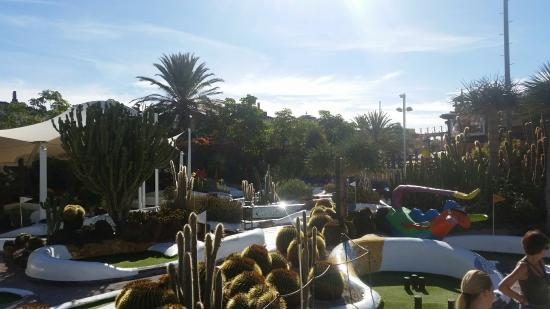 Parque Santiago Mini Golf: 20160123_110622_large.jpg