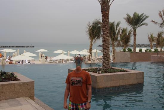 Sheraton Sharjah Beach Resort Spa бассейн