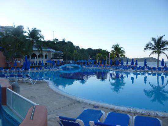 Azul Ixtapa Beach Resort Convention Center Large Pool With Swim Up Bar
