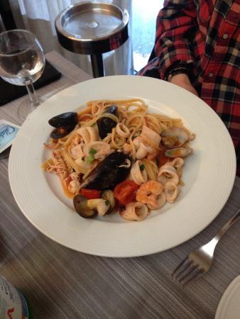 Calaluna: Spaghetti with Seafood