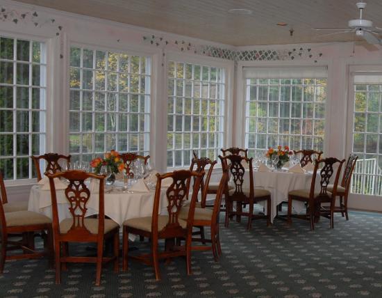 Ridgefield, CT: Fine dining with elegant views....