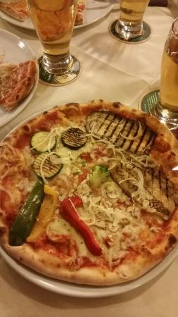 La Pizzeria Di Salvatore: Pizza Vegetariana