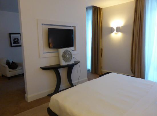 UNA Maison Milano: junior suite 4º piso, zona descanso