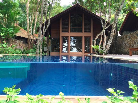 Next door picture of the tubkaak krabi boutique resort for Boutique hotel krabi