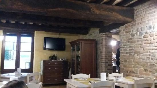 Montecalvo in Foglia, Itália: 20160106_093904_large.jpg
