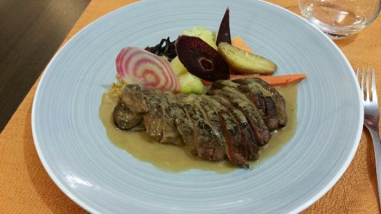 Taurinya, Francia: Magret de canard en sauce foie gras. Un délice !