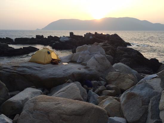 Ugurushima Island: テントで1泊