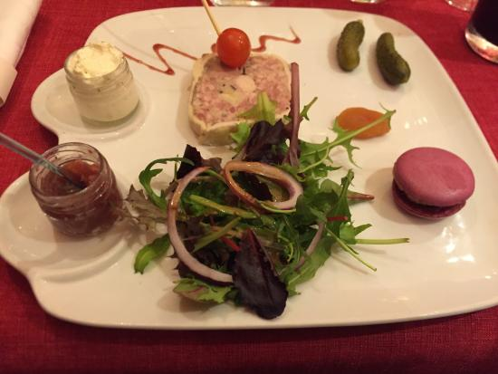 Joigny, France : Restaurant Paris Nice
