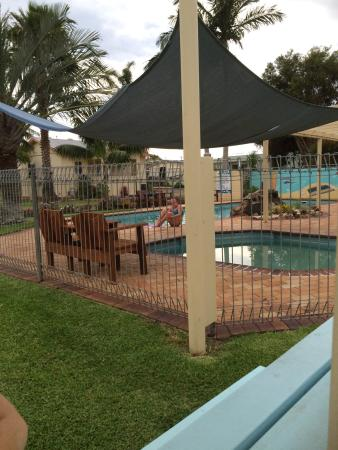Laurieton, Australien: Great family place! Immaculate gardens and amenities.