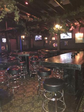 The Golden Retriever Pub- Magnolia, Tx