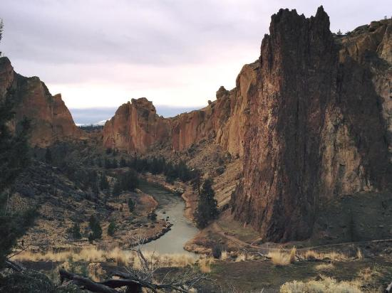 Smith Rock State Park: Smith Rock in all of its natural grandeur
