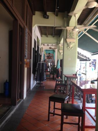 The Green Kiwi Backpacker Hostel Bugis - Bar