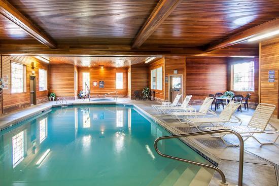 comfort suites 119 1 3 7 updated 2018 prices. Black Bedroom Furniture Sets. Home Design Ideas