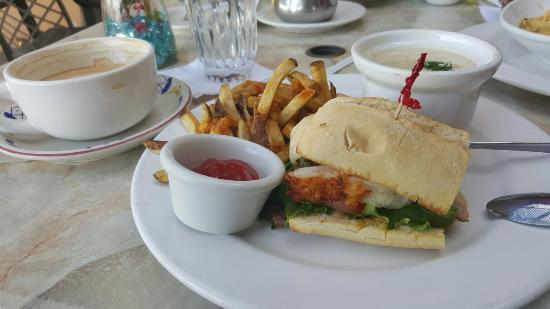 Mimi's Cafe Bakersfield: Great food and service!