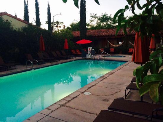 Zdjęcie Los Arboles Hotel