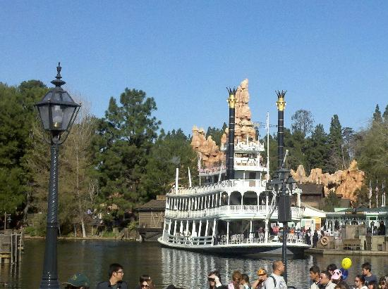‪Mark Twain Riverboat‬