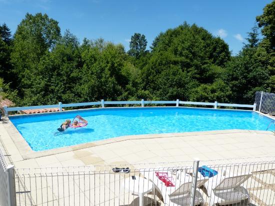 Busserolles, Francia: Swimming Pool