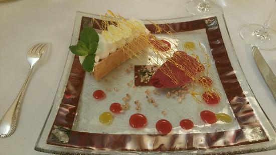 Pujols, Frankrig: Dîner délicieux, présentation alléchante, service agréable et attentionné. Une belle soirée. Mer