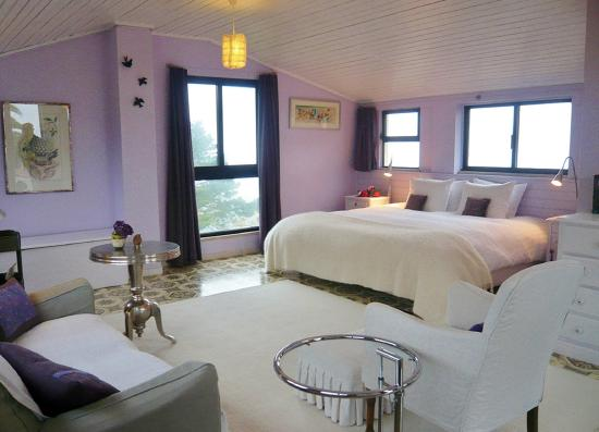 Quinta Colina Flora: Lavender Room