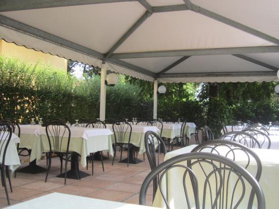 San Giovanni in Marignano, Italia: gazebo estivo