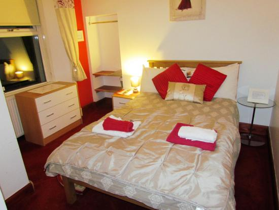 Strathallan Bed & Breakfast: Room 4 Double Bedroom with en-suite