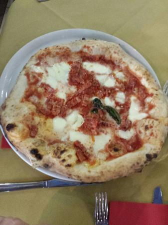 San Giovanni la Punta, Ιταλία: Fratelli La Bufala