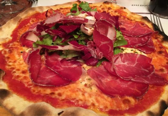 Etampes, France: Pizza Tomino