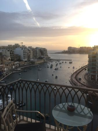 Hotel Juliani: Beautiful view of Spinola bay from our balcony