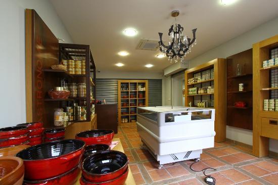 Hotel de France: Boutique Cassoulet 2