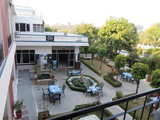 Hotel Surya Khajuraho Photo