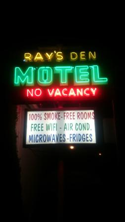 Ray's Den Motel Picture