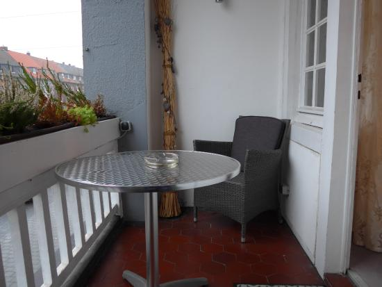 Kamp-Lintfort, Jerman: Balkon Zimmer 13