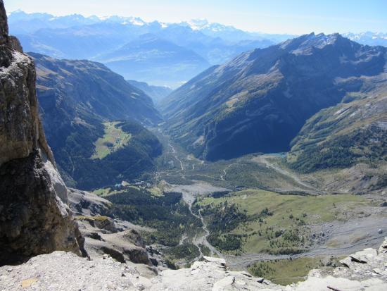 Schonried, Swiss: La vue sur la vallée de la Lizerne