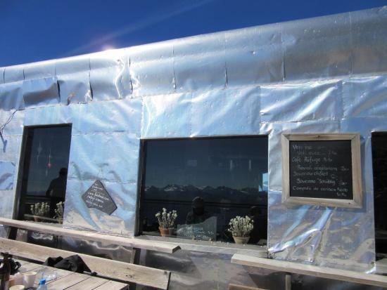 Schonried, Suiza: Terrasse en plein soleil