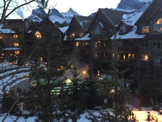 Falcon Crest Lodge: photo0.jpg