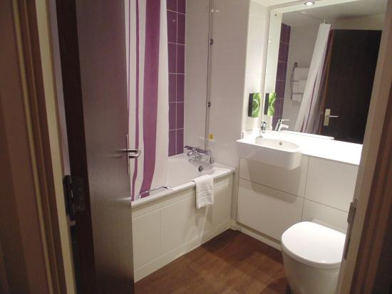Premier Inn London Wimbledon South Hotel: Banheiro