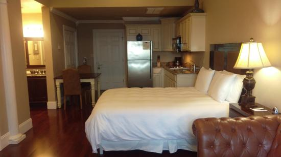 Oasis Suites Hotel-bild