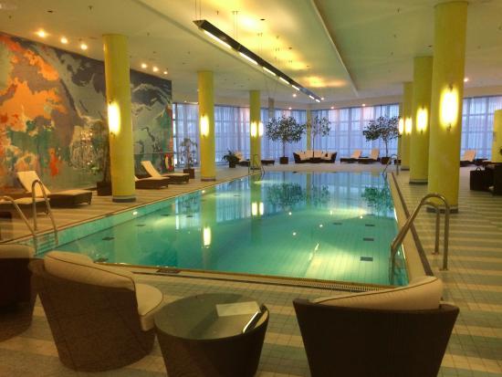 Pool Bild Von Hilton Munich Airport Munchen Tripadvisor