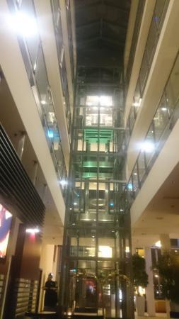Best Western Premier Hotel Regensburg: Blick auf den Aufzug